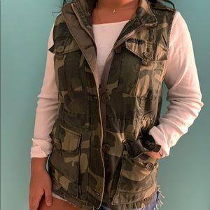 Trendy Camo Vest